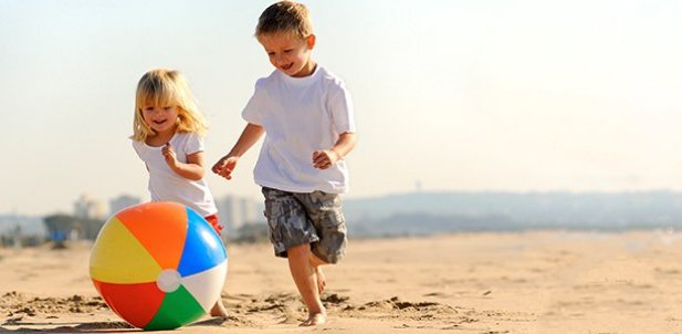 15 Cool Ways Kids Can Enjoy the Beach